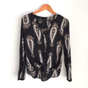 Lucky brand black paisley tie front blouse